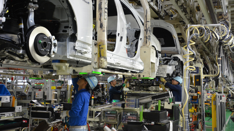 Car production in Japan falls